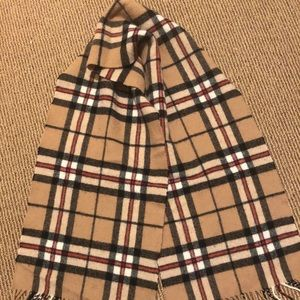 Burberry color scarf